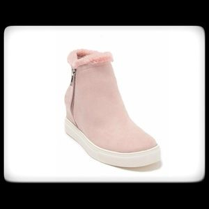 NWT ABOUND Bootie Faux Suede Blush w/Fur sz 9